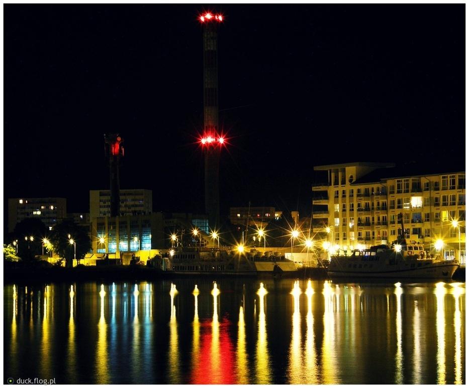 Port w Świnoujściu nocą