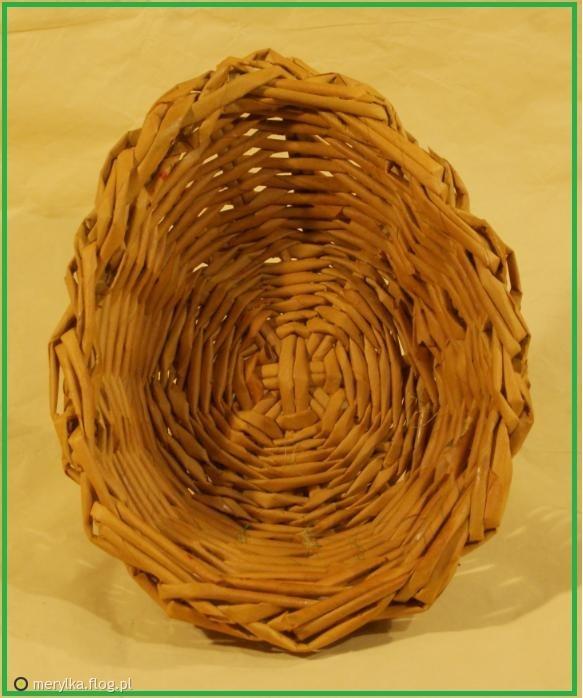 kosz z wikliny  papierowej w ksztalcie jajka