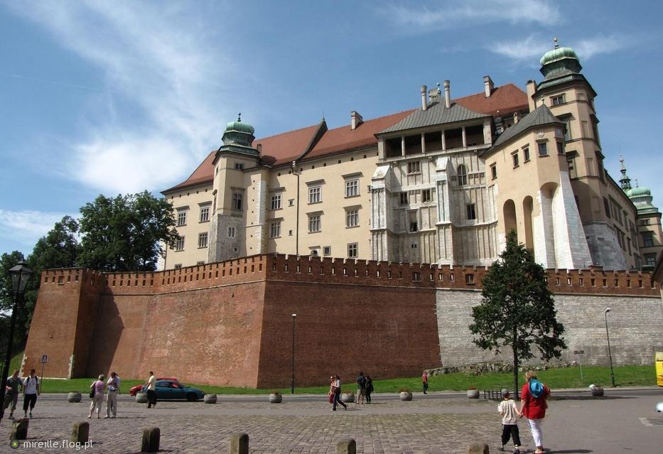 Znalezione obrazy dla zapytania kraków zamek królewski w środku