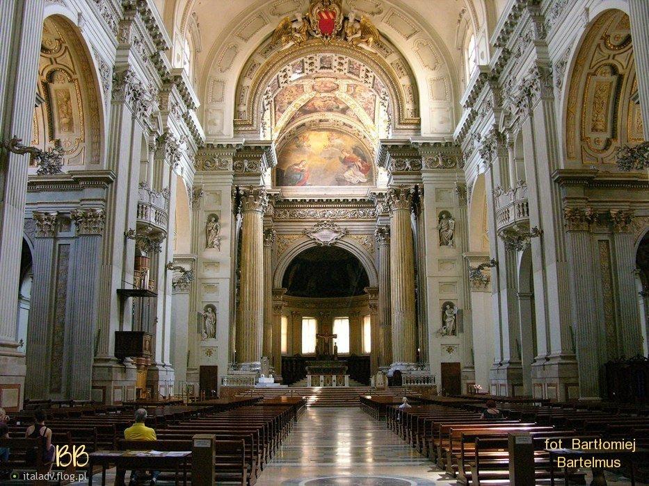 Bologna cattedrale di san pietro interno ristrutturato for Interno 1 bologna