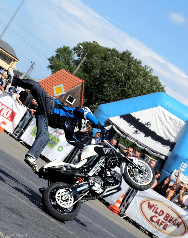 Motocyklowa niedziela w Gdyni - Raptowny