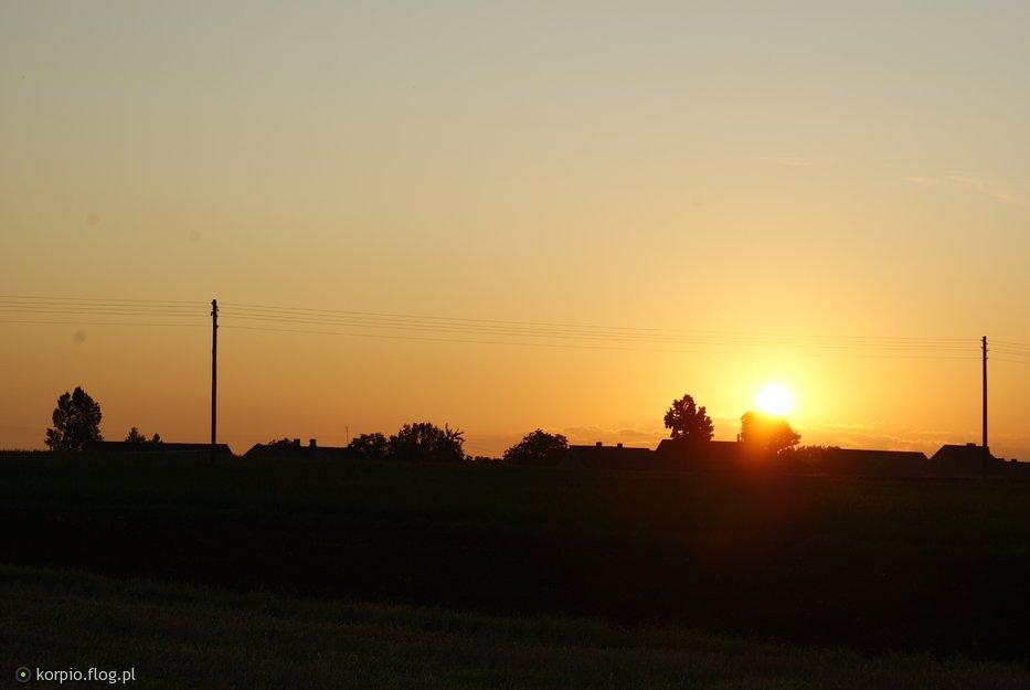 Wieś o świcie