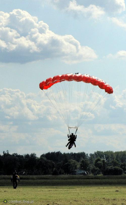 Skok spadochronowy - Aeroklub w Pruszczu Gd.